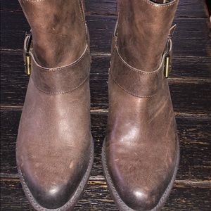 Reba brown leather booties size 6.5
